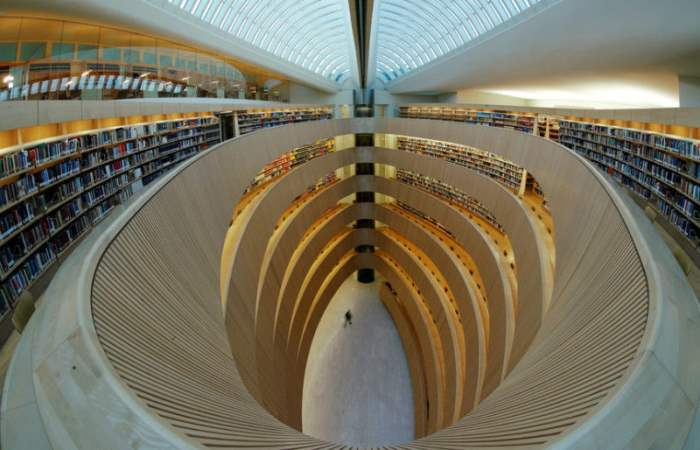 Главный зал библиотеки университета Цюриха