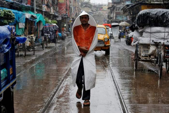 День дождя в Калькутте, Индия.