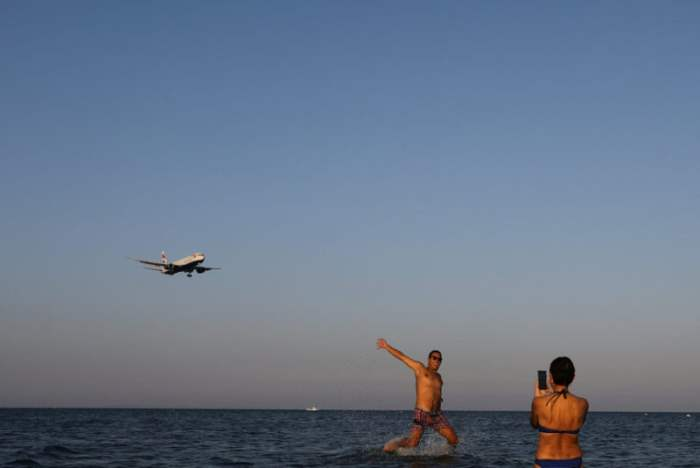 На пляже в Ларнаке, Кипр.