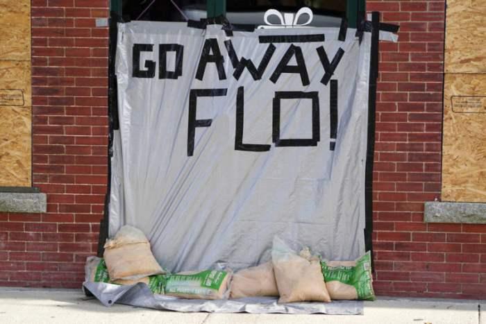 Уходи прочь, Фло