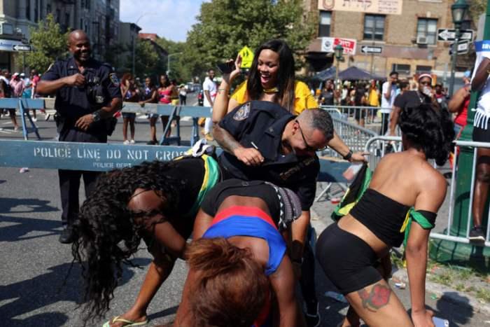 карнавал бруклин
