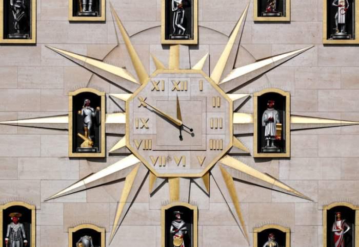 часы брюссель