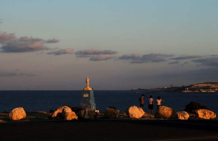 Вид статуи Мадонны на Мальте