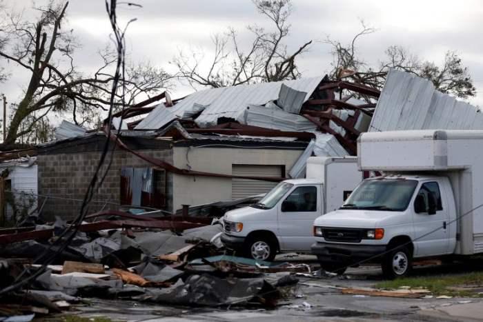 Здания, поврежденные ураганом Майкл