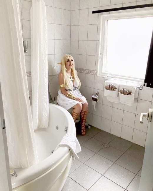 Эльфы тоже ходят в туалет.