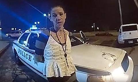 угнала полицейское авто
