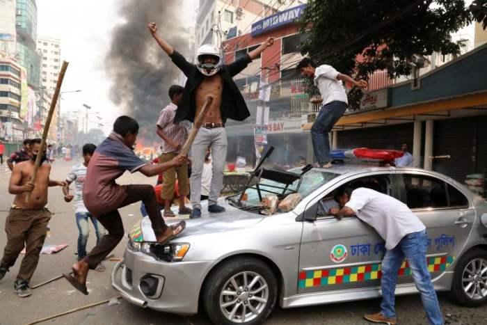 Бангладешские активисты