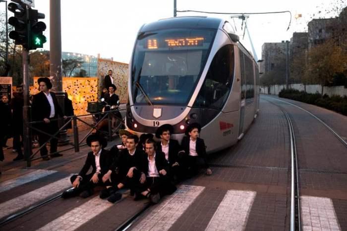 Израильские ультраортодоксальные еврейские мужчины