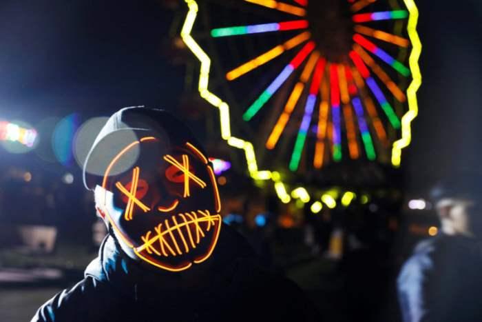 Момент празднования Хэллоуина
