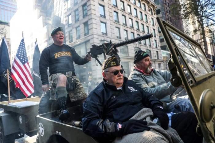 Парад ветеранов в Нью-Йорке.