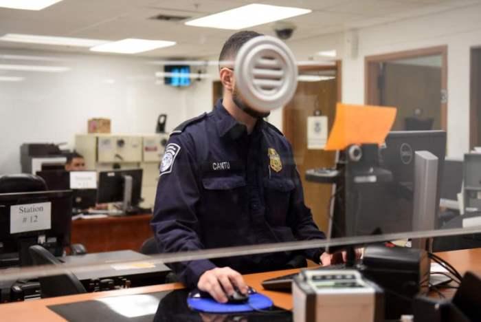 Сотрудник таможенной службы