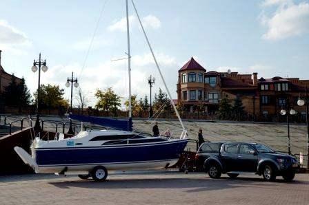 Трейлерная яхта