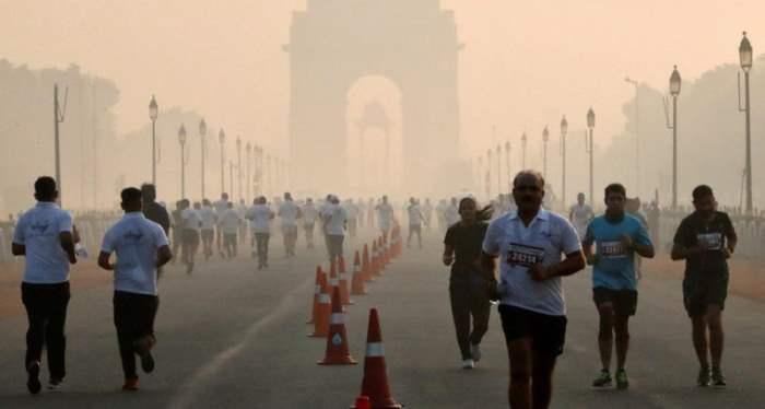 Утренний марафон в Нью-Дели, Индия.