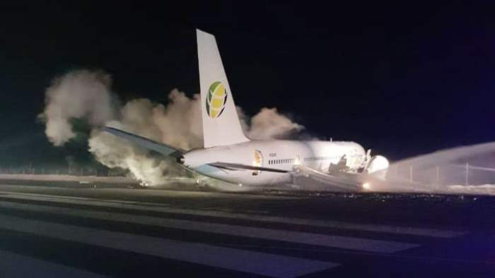 Ямайка самолет