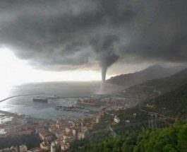 водный торнадо в Итали