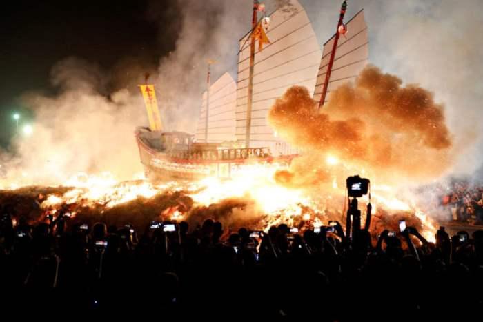 древний военный корабль