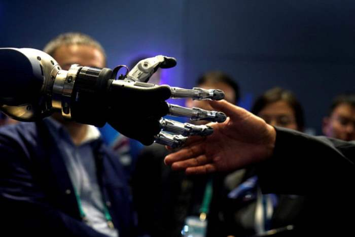 рука робота
