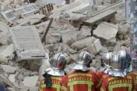 рухнули здания марсель