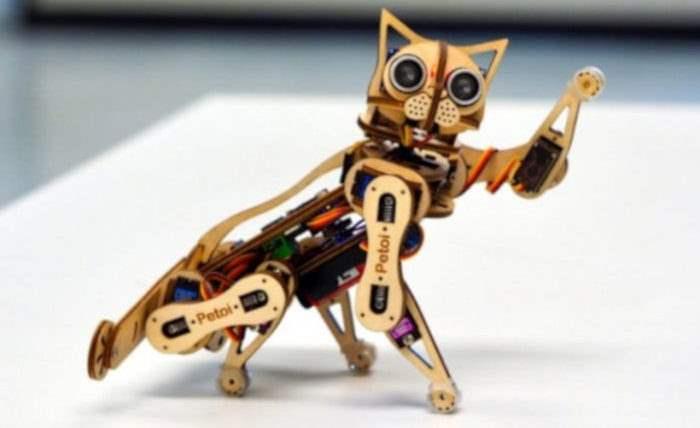 Робот-кошка