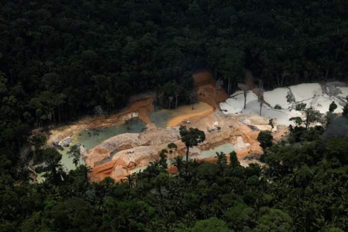 Незаконная шахта касситерита