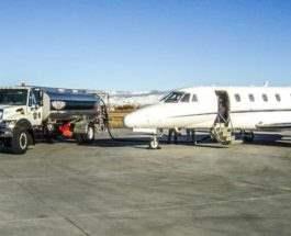 заправка самолета