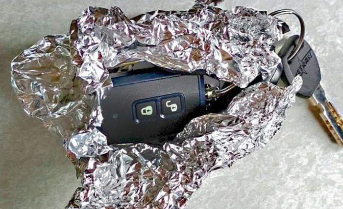 Агент ФБР объяснил, почему ключ автомобиля должен быть завернут в алюминиевую фольгу