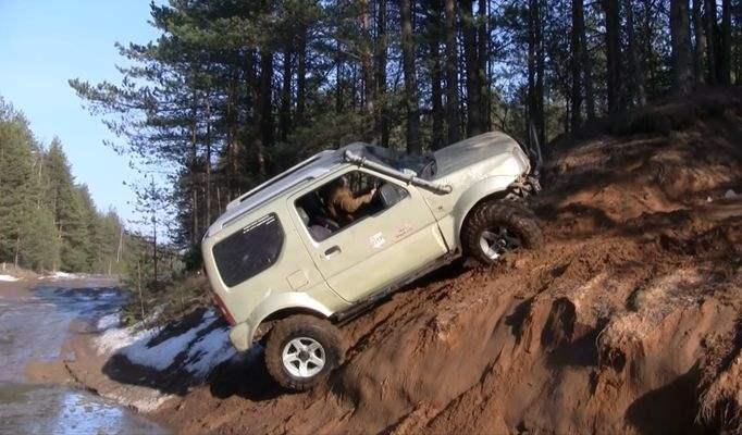ГАЗ 66 и Suzuki Jimny