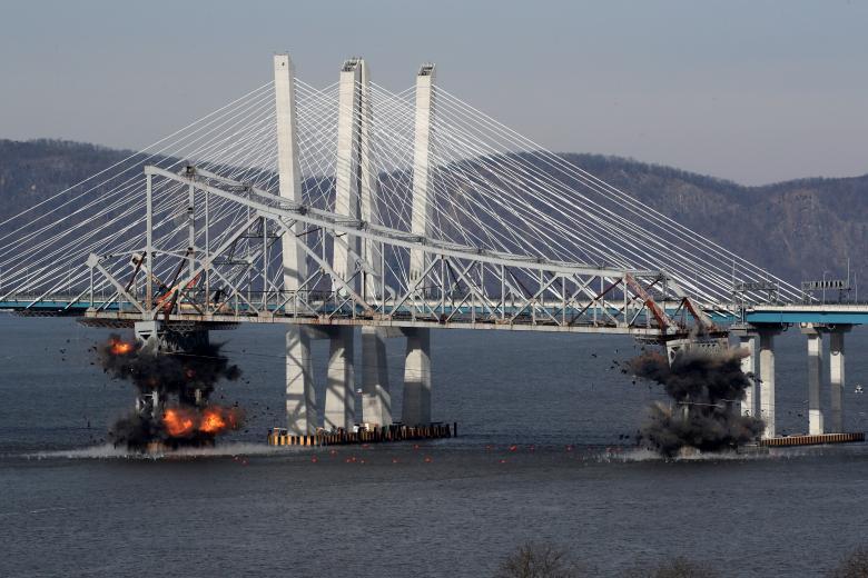 Подрыв старого моста