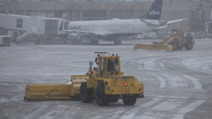 Аэропорт Чикаго снег