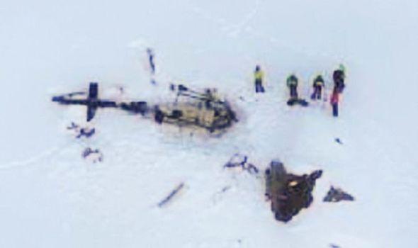 вертолет и самолет Альпы