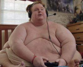 34-летний мужчина весом более 300 кг