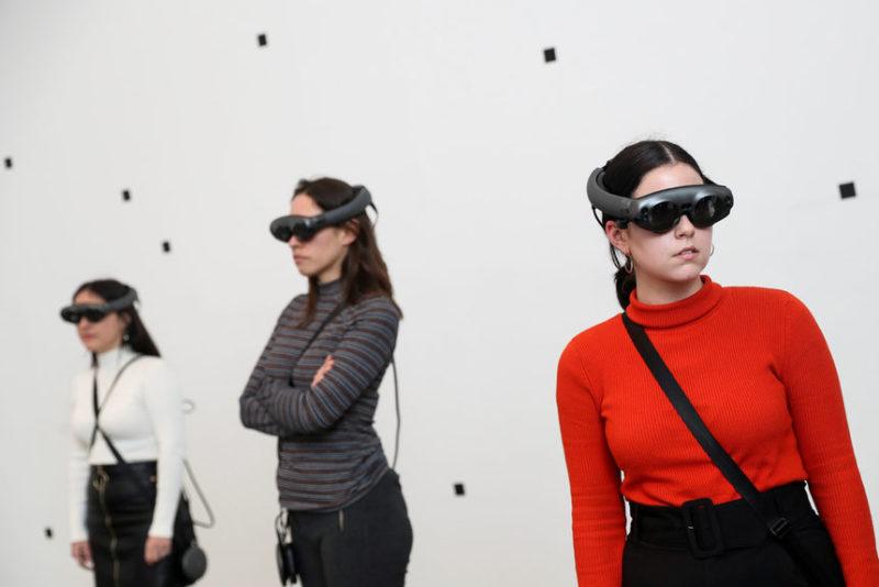 Посетители на выставке Марины Абрамович