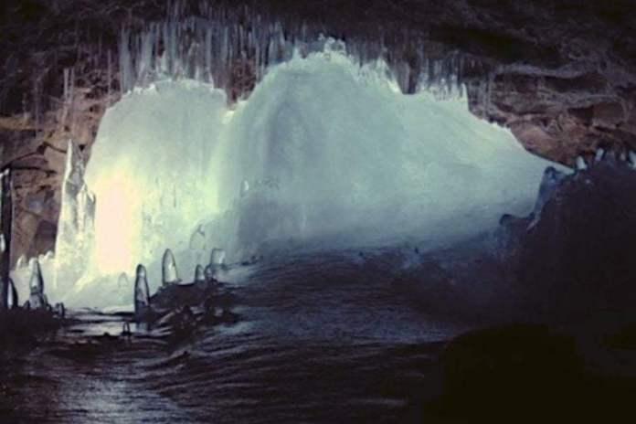 Дрон пещеры