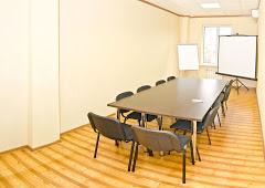 Переговорная комната в Форму Плаза