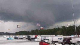 Торнадо опустошил Алабаму