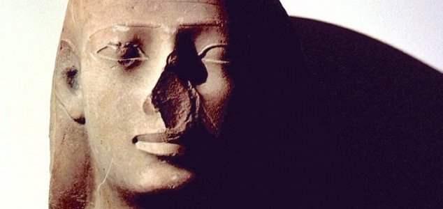 статуи без носа