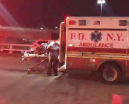 30 человек пострадали во время турбулентности