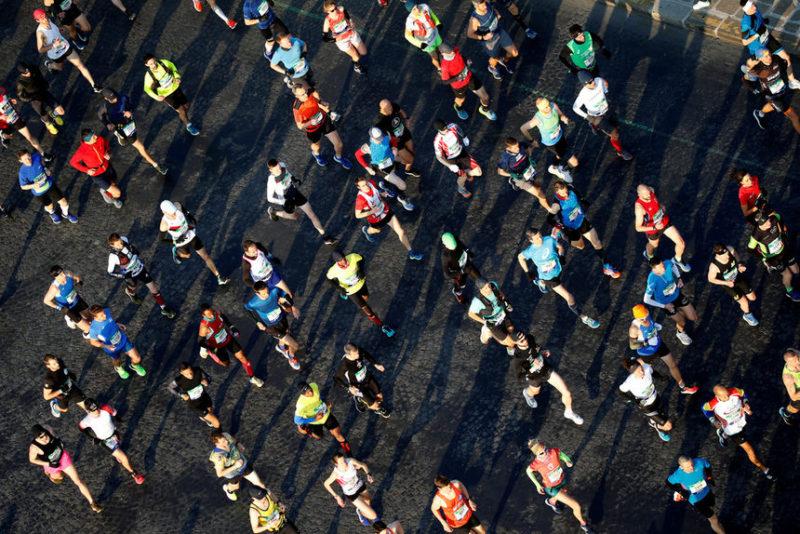 Кадр из парижского марафона, Франция.
