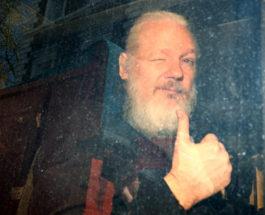 Создатель Wikileaks