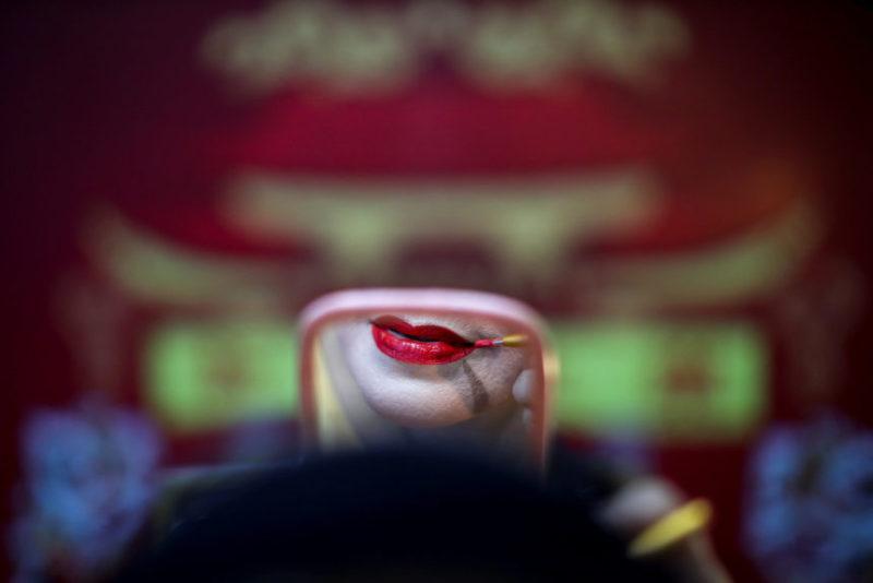 Актер из китайской оперной труппы