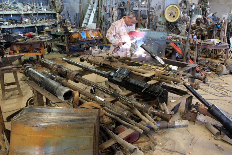 Волонтер отремонтировал оружие