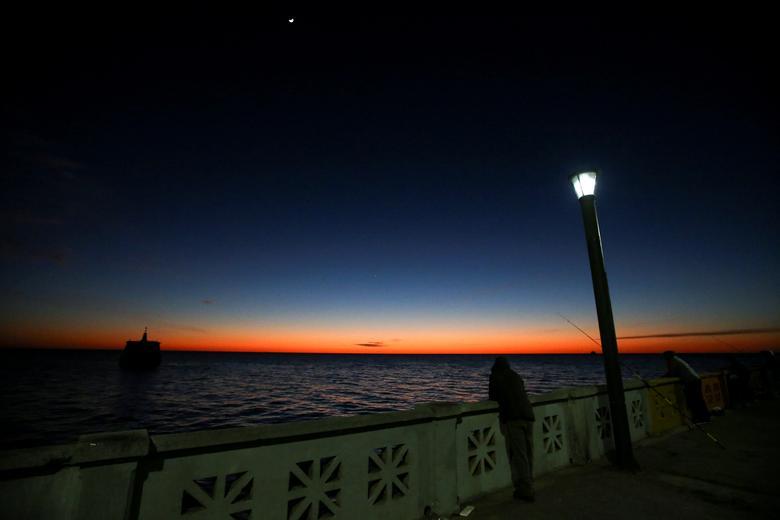 Восход солнца над рекой Рио-де-ла-Плата