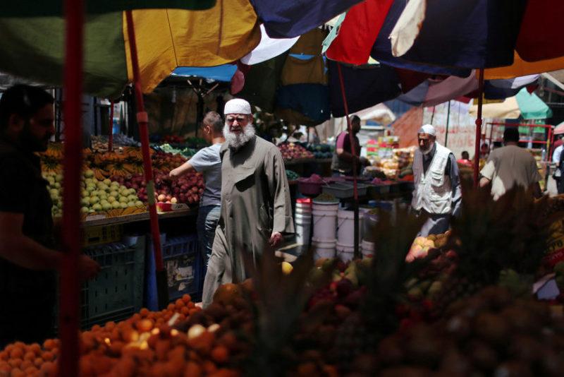 Рынок в лагере беженцев