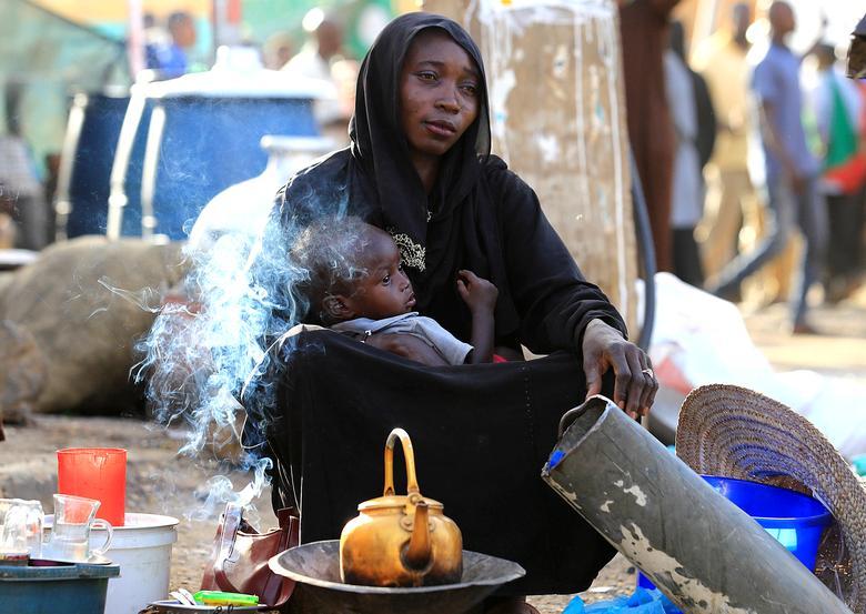 Суданская уличная торговка
