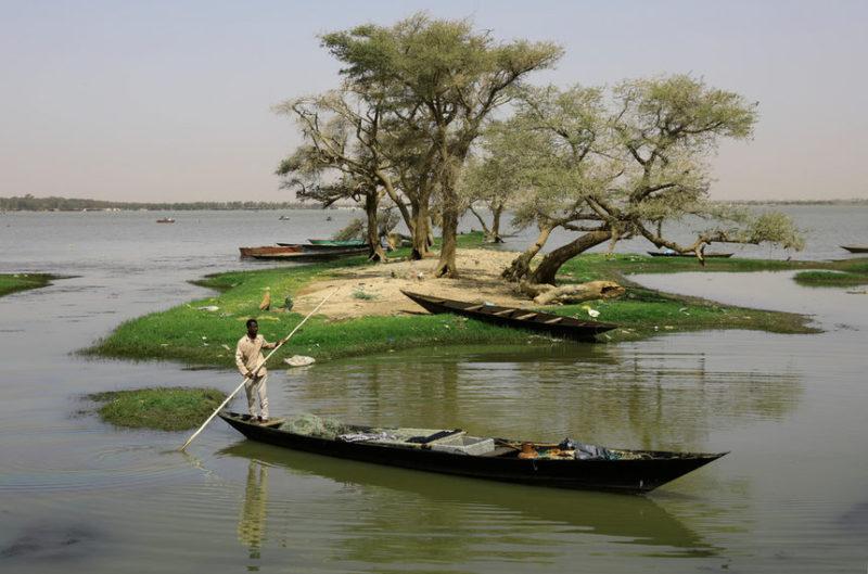 Суданский рыбак