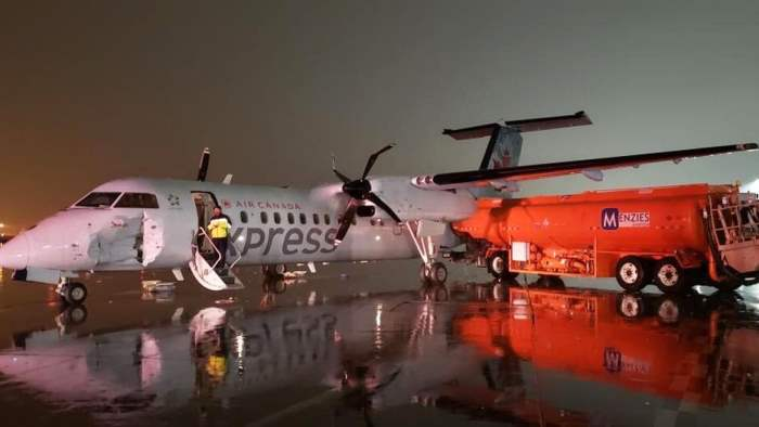 столкновения самолета с танкером в Торонто