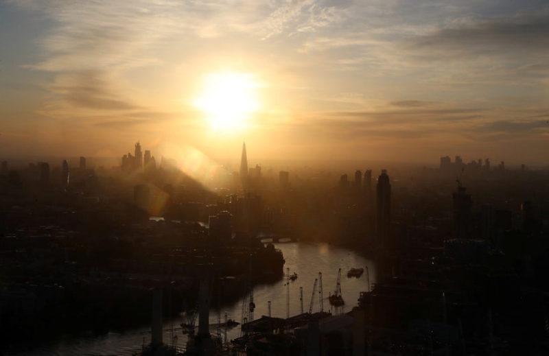 Восход солнца над Лондоном