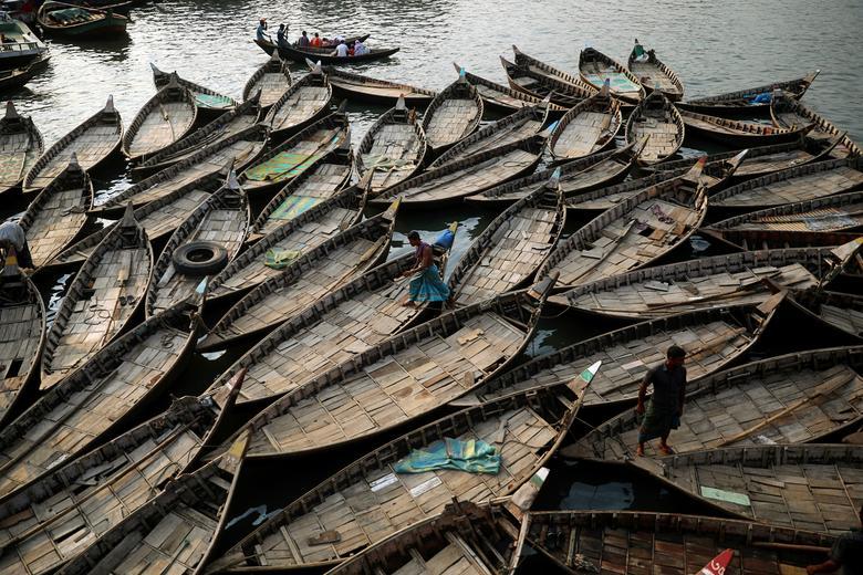 Лодки стоят на якоре