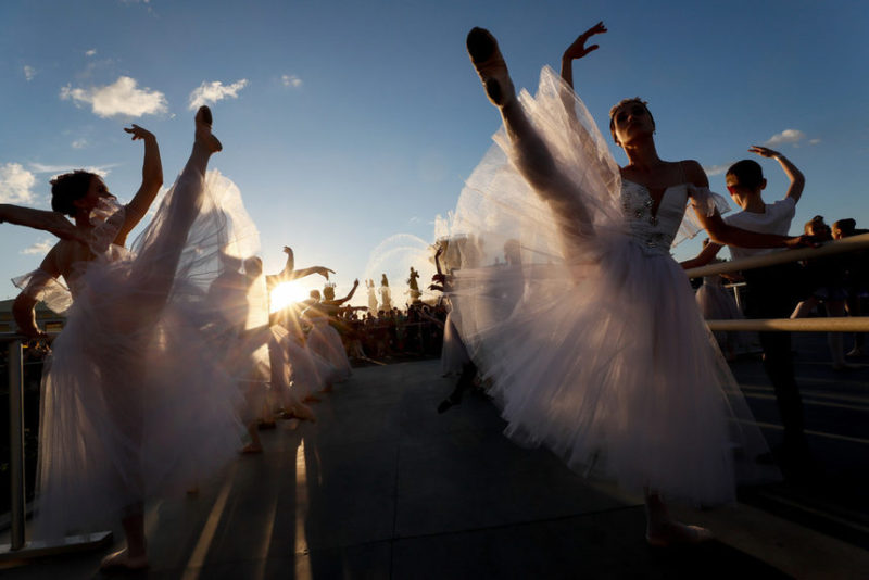 Момент урока балета