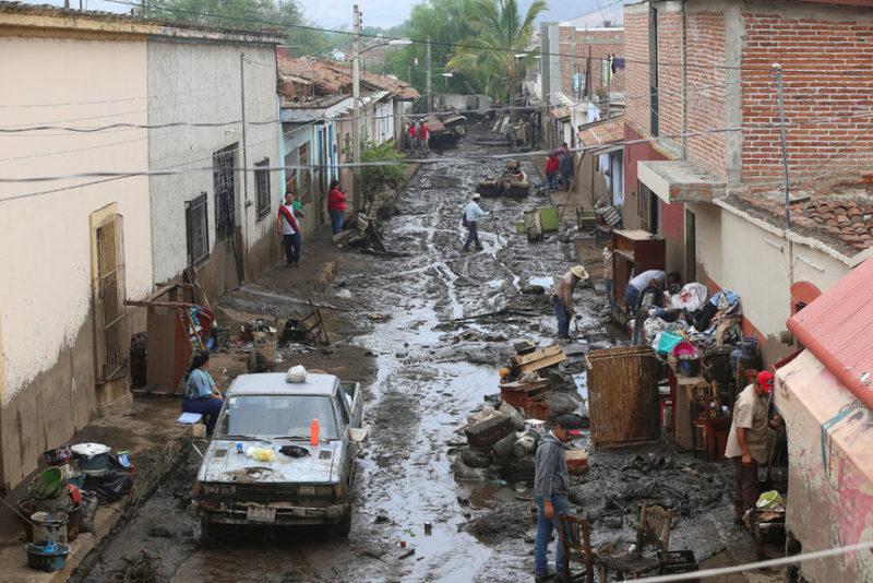 После наводнения в городе Сан-Габриэль